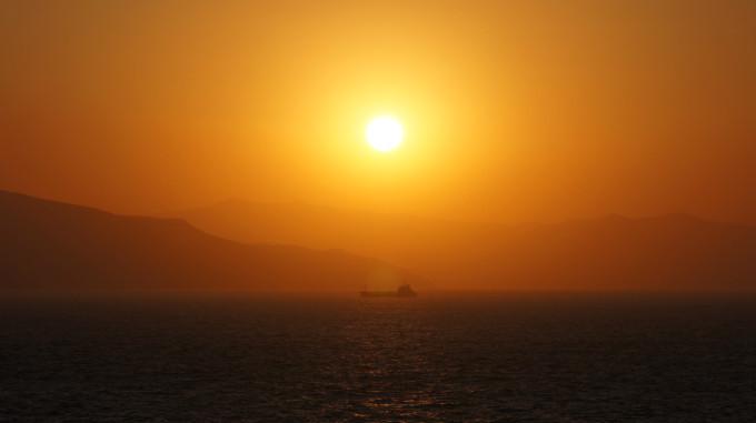 すずらん_津軽海峡の夕日
